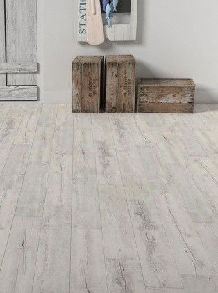Pinterest le catalogue d 39 id es for Plancher pin blanc