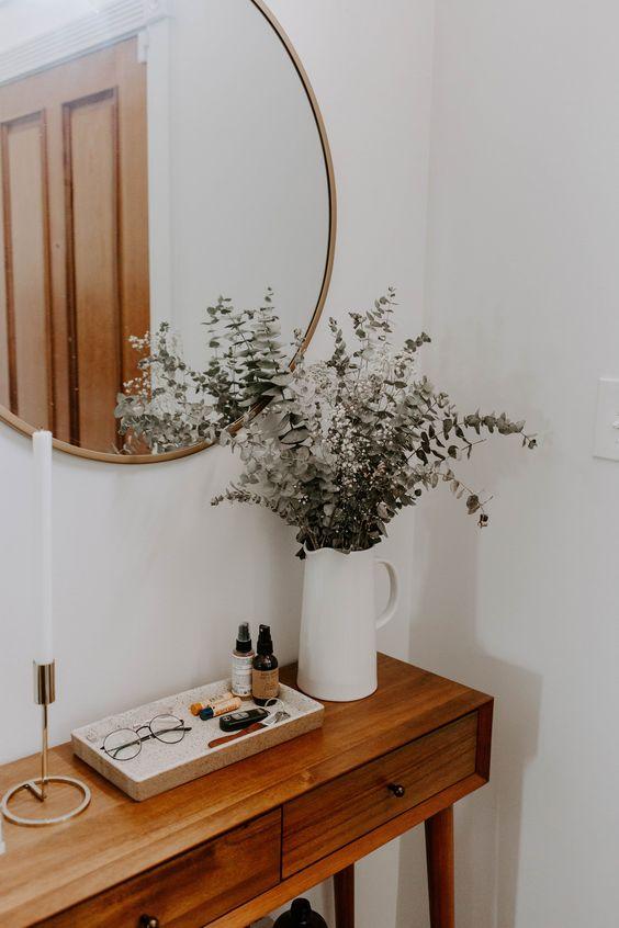 Fashionable Entrance Home Decor