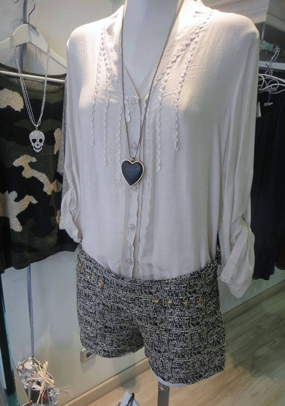 Camisa Jaretas & Shorts Tachas