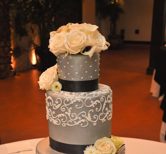 Beautiful Cake, real flowers, roses and  lilies www.heflinphotography.com