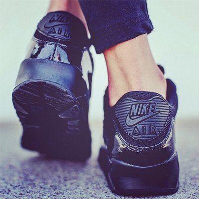PURISD.de - black air max schwarze nike sneaker