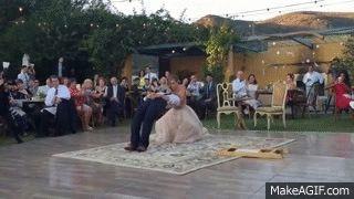 El baile de boda más mágico que has visto jamás: el novio acaba ¡levitando!