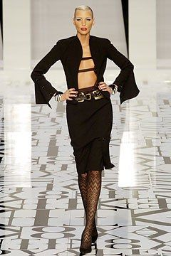 Valentino Fall 2004 Ready-to-Wear Fashion Show - Nadja Auermann