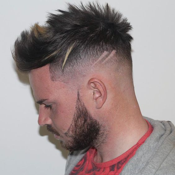 It is not uncommon thatguys stick with the same old haircut and hairstylefor years. Why is that? Withbarbers and hairdressers creating cool new types of men's hairstyles and haircuts for men every single day, you could actuallytry