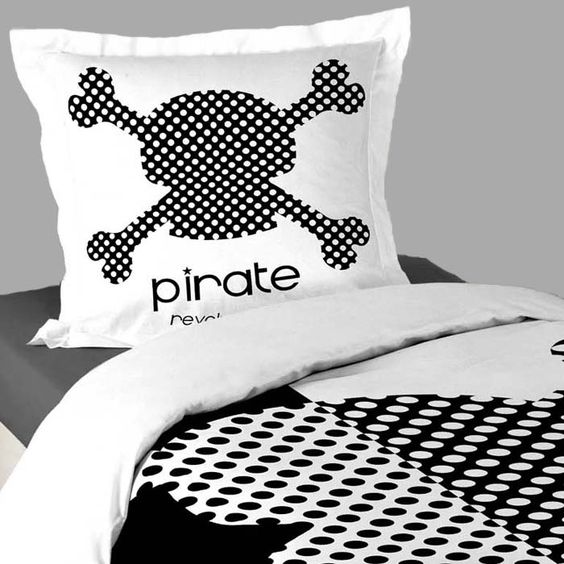 housse de couette noir et blanc pirate kid taie d. Black Bedroom Furniture Sets. Home Design Ideas