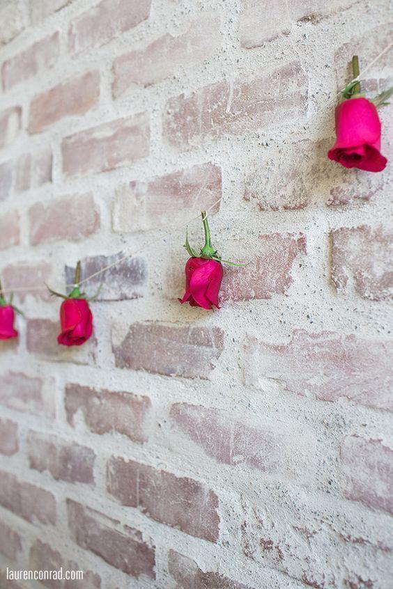 天井からバラを吊るすバラカーテンが素敵すぎ Marry マリー 花 や