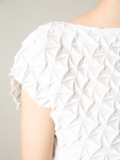 Issey Miyake robe cintrée à design texturé