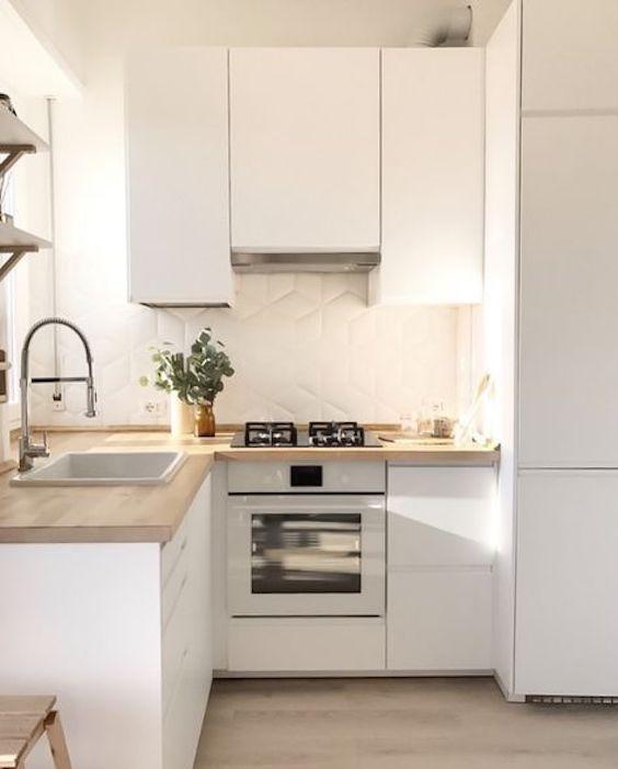 Hoy La Inspiración Llega Desde Divinas Cocinas Blancas Combinadas Con Madera Cocinas De Casas Pequeñas Diseño Muebles De Cocina Ideas De Diseño De Cocina
