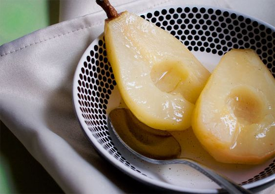 Spiced poached pears, so simple, yet so unbearably good.