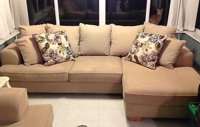 2 seater sofa & 3 seater corner sofa suite!!! https://t.co/HiBD3swWuU https://t.co/ELCKTkLrv9