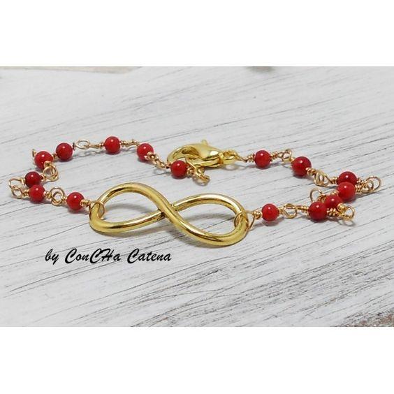 Ganz zartes Armband mit goldenem  Infinity/Eternity Symbol