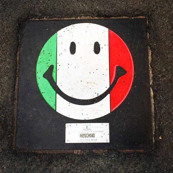 manhole cover - Chi l'ha detto che a Milano anche i tombini non possano essere fashion?  #Milano #fashion