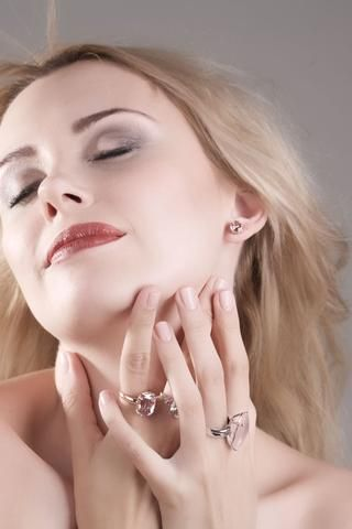 Morganite oval brilliant cut 2.73 carats pair rose gold post earrings - CLICK HERE - Sarah Hughes - 1