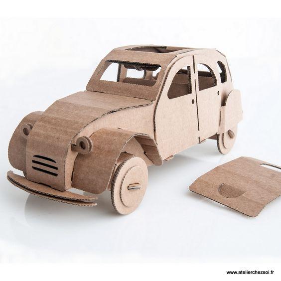 voiture 2cv en carton construire leolandia maquette en carton de l 39 atelier chez soi table. Black Bedroom Furniture Sets. Home Design Ideas