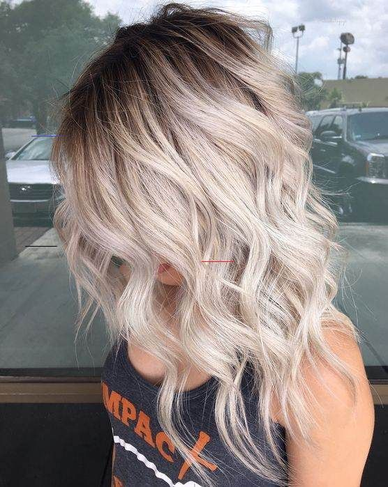 Light Blonde Hairstyles Ideas For Fall 2018 2019 Score Styles Blondebalayage Light Blonde Hair In 2020 Blonde Hair With Highlights Hair Highlights Hair Styles