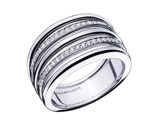 La bague Osez la route de diamants de Mauboussin http://www.vogue.fr/joaillerie/le-bijou-du-jour/diaporama/la-bague-osez-la-route-de-diamants-de-mauboussin/21242
