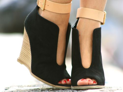 Wedge booties~how cute are these.: Cute Shoe, Cutout, Peep Toe, In Love, Cute Wedges, Ankle Straps, Shoes Shoes, Black Wedges