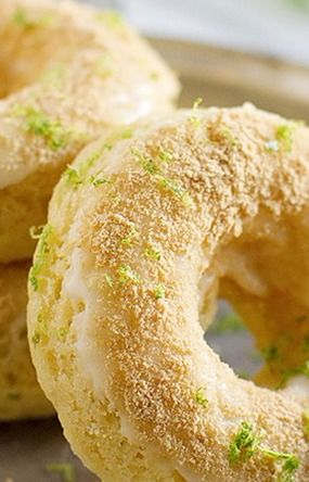Baked Key Lime Pie Donuts {Key Lime Blog Party} - Taste and Tell