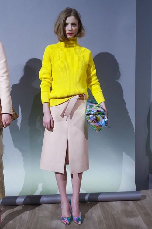 Bright yellow + dusty pink:
