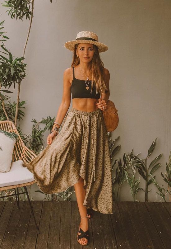 52 Beach Holiday Outfits To Inspire Every Woman outfit fashion casualoutfit fashiontrends