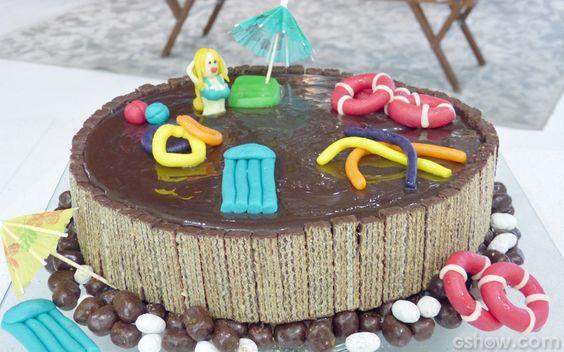 Olha o bolo do Louro! O tema da festa foi reproduzido no bolo do papagaio