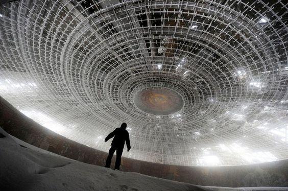 #7 - Casa em formato de disco voador, do Partido Comunista Búlgara, Bulgária: