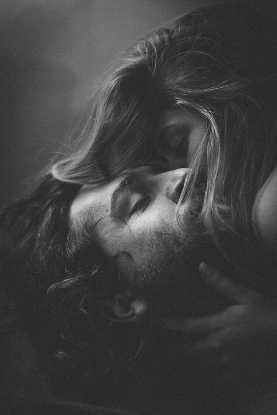 Больше всего я хочу прийти к тебе и лечь рядом. И знать, что у нас есть завтра. ⠀⠀  (писательство, писатель, вдохновение, литература, мысли, творчество, чтение, цитаты, книги, жизнь, книжная полка, люблю читать, мысли великих, цитата дня)