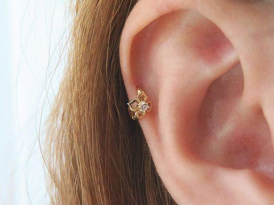 CZ Hoop Ohrringe / 14K Solid Gold piercing/Knorpel Ohrring/Helix piercing/Tragus piercing/Rook piercing/Daith piercing/Snug piercing/Hoop