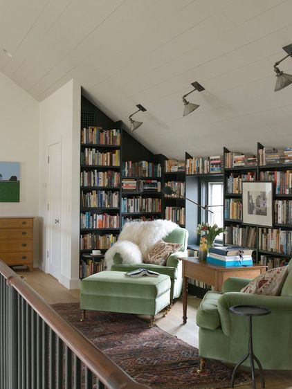 So perfect! Love how they used an awkward space and made it into a little library.
