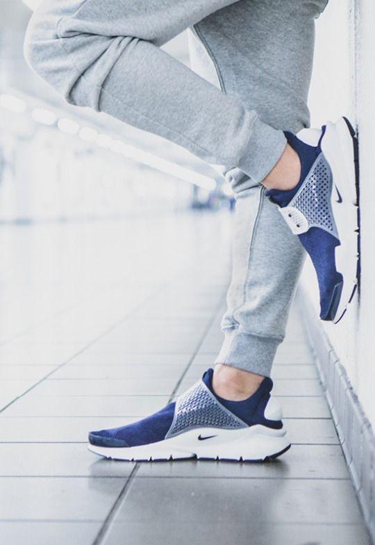 run roshe femmes - Nike Sock Dart SP Fragment Design   The Shoephisticated ...