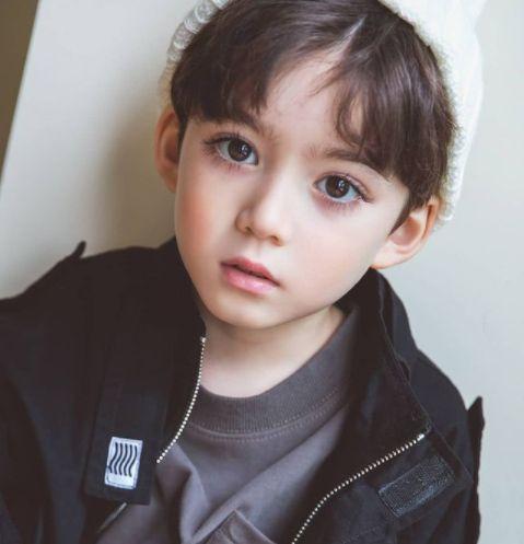 صور اطفال اجمل اطفال حول العالم كوبر لاندى من كوريا الجنوبية In 2021 Beautiful Children Beautiful Most Beautiful