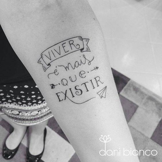 """Você concorda?  Tatuagem feita por  <a href=""""http://instagram.com/dani.bianco_tattoo"""">@dani.bianco_tattoo</a> -  Muito mais. ❤️      #linhafina:"""