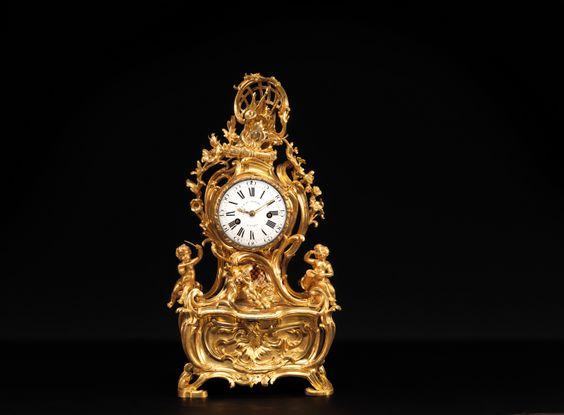 """Pendule """"Allégorie des Arts"""", par Jean-Joseph de Saint-Germain (1719-1791) pour la caisse, reçu Maître Fondeur-Ciseleur en 1748 et par Jean-Baptiste DUTERTRE ( ?-1773), reçu Maître Horloger en 1735, Paris, époque Louis XV, vers 1750   Alain.R.Truong"""