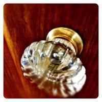 LOVVVE the old glass door knobs!