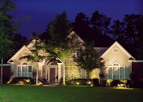 Great Uplighting Makes This House Feel Like A Home House