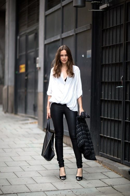 simple, perfect: Black And White, Night Outfit, Black Leather, White Shirts, Street Style, Black White, Leather Pants, Leather Leggings, White Top