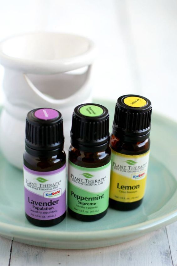 How to use an essential oil diffuser in your home, plus 12 of my favorite essential oil combinations.                                                                                                                                                      More