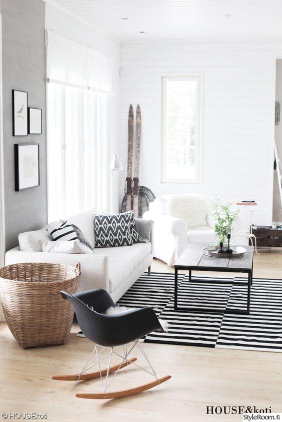 olohuone,keinutuoli,musta,valkoinen,matto,sohva,kori,sohvapöytä,valoisa,minim