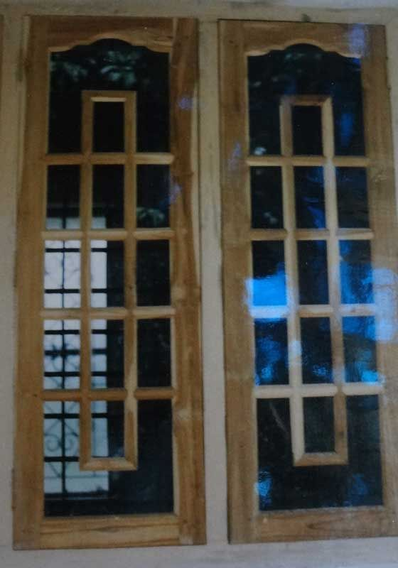 Wood windows wood design ideas latest kerala model for Front window design in india