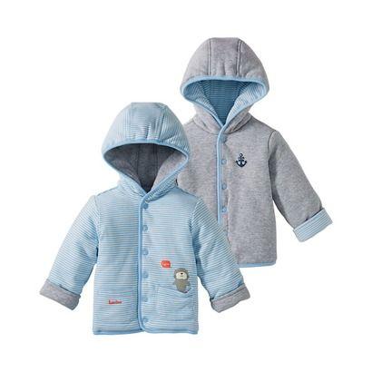 """Eine Jacke, zwei Outfits: Diese Wendejacke ist ein absolutes """"Must Have"""". Mit Kapuze, Druckknöpfen und aufgesetzten Taschen, sowie niedlichen Drucken. Material 100% Baumwolle Größe 50/56 - 86/92"""