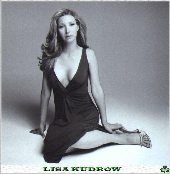 Lisa Kudrow bikini pics Lisa Kudrow
