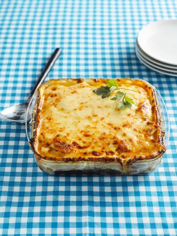 Moussaka die smaakt naar meer http://njam.tv/recepten/moussaka-die-smaakt-naar-meer