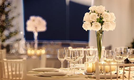 tableflowershallnight