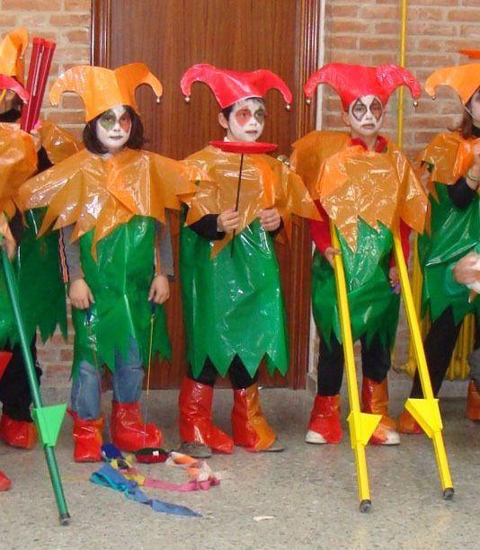 Disfraces Con Bolsas De Basura Disfraces Bolsas De Basura Disfraces Infantiles Arlequín Disfraz