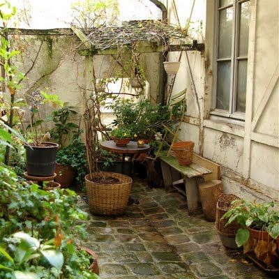 .: Outdoor Living Patios Walks, Garden Patios Courtyards, Favorite Places, Green Gardens, Garden Areas, Dear Places, Garden Stuff, Places Spaces, Small Garden