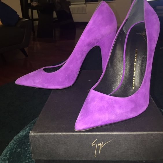 Giuseppe Zanotti Ester Purple pump Super cute Giuseppe Zanotti purple pump with block heel. Super modern with 110 mm height! Worn once and comes with original box. Original Price $695 Giuseppe Zanotti Shoes Heels