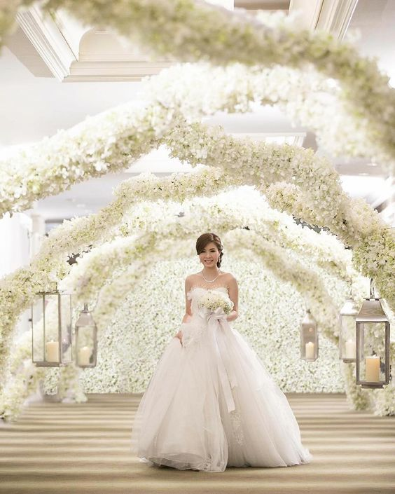 """Sophisticated Heaven.  #SophisticatedHeaven  #ChicPlanner #WeddingDesign  #FreshFlowers #Beauty"""