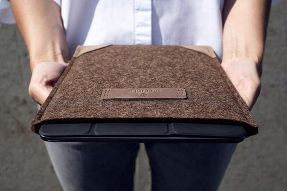 ***Suits iPad Pro without Smart Keyboard/Cover*** The Cocones iPad Pro sleeve is designed for a fairly snug fit and features a combination of minimalist