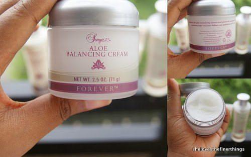 إن كريم سونيا ألو بلانسينج يحتوي على الصبار النقي بالإضافة إلى خلاصة مواد طبيعية منشطة للبشرة ومواد مرطبة عالية التر Forever Living Products Moisturiser Cream