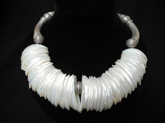 White mother of pearl necklace handmade by FlorenceJewelshop